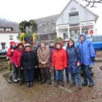 Osterbrunnen schmücken Heiligkreuzsteinach (2)